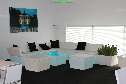CONIC Lounge mit LED Beleuchtung